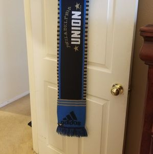 Addidas scarf